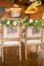 Magnificient Outdoor Wedding Chairs Ideas That Suitable For Couple 27