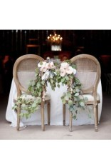 Magnificient Outdoor Wedding Chairs Ideas That Suitable For Couple 33