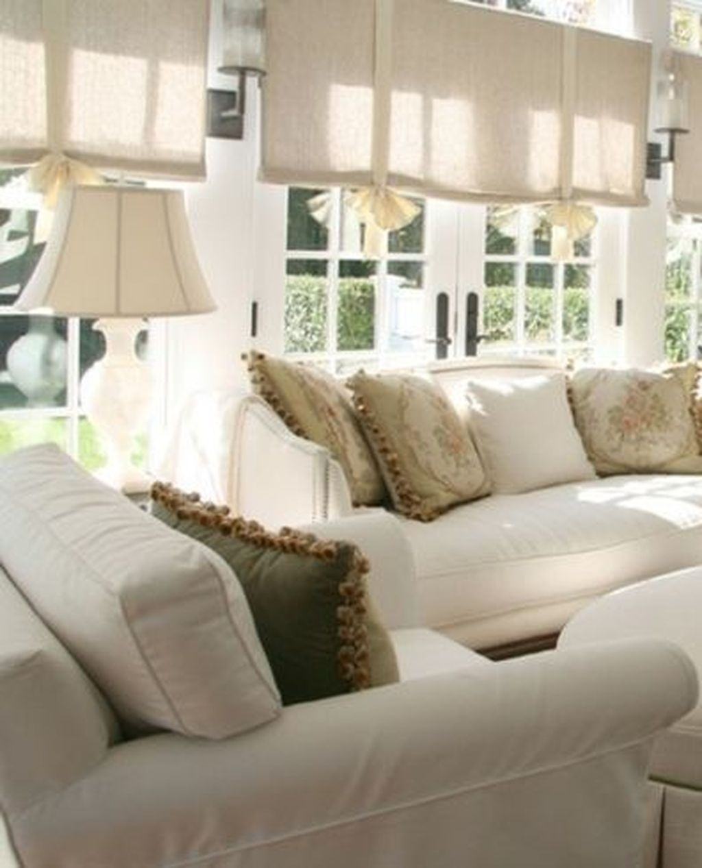 Perfect White Sunroom Design Ideas That Look So Awesome 01