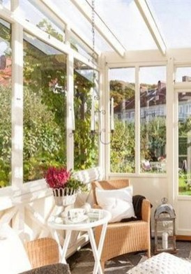 Perfect White Sunroom Design Ideas That Look So Awesome 18