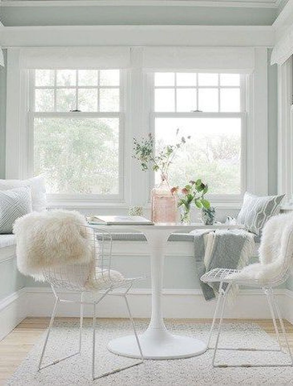 Perfect White Sunroom Design Ideas That Look So Awesome 23