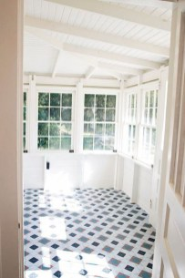 Perfect White Sunroom Design Ideas That Look So Awesome 28