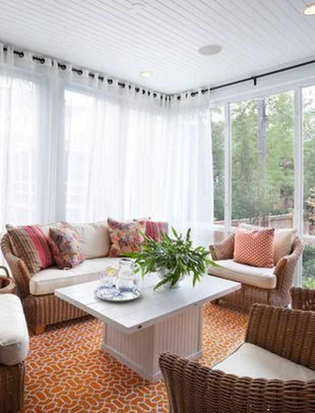 Perfect White Sunroom Design Ideas That Look So Awesome 30
