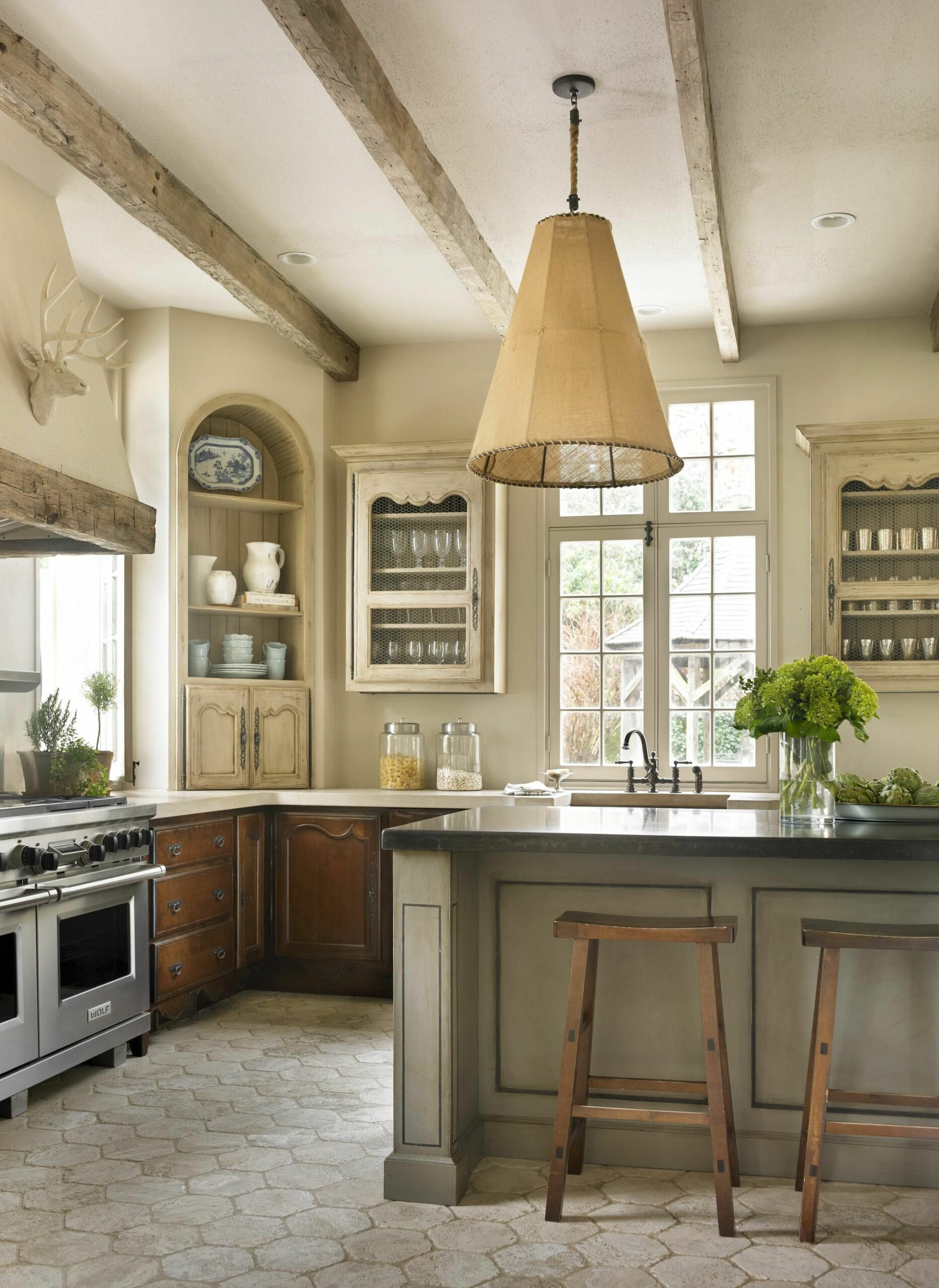 Beautiful White Kitchens 2020
