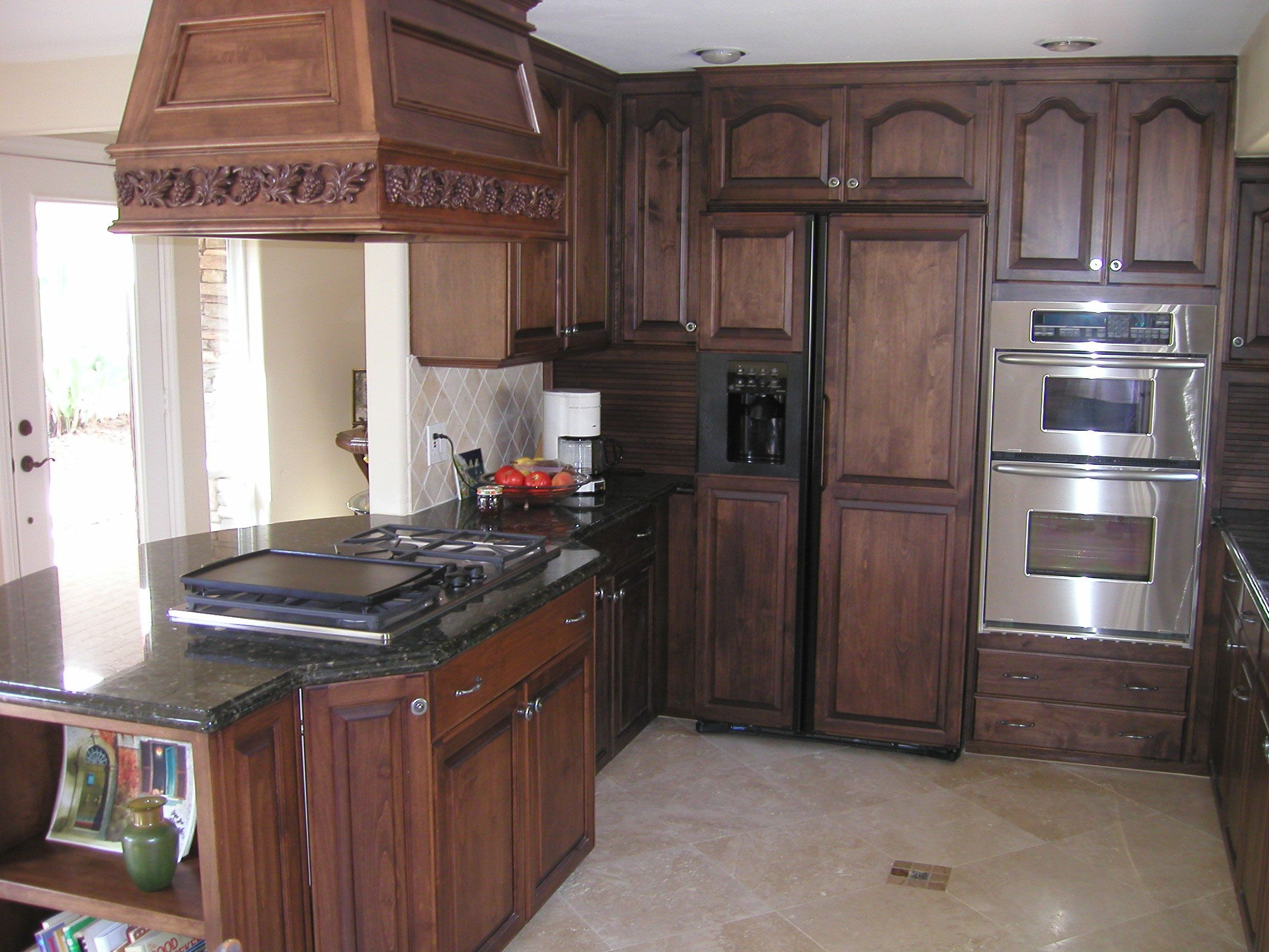 Pictures Of Kitchens With Dark Cabinets