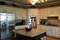 Kitchens With Dark Cabinets On Bottom And Light On Top