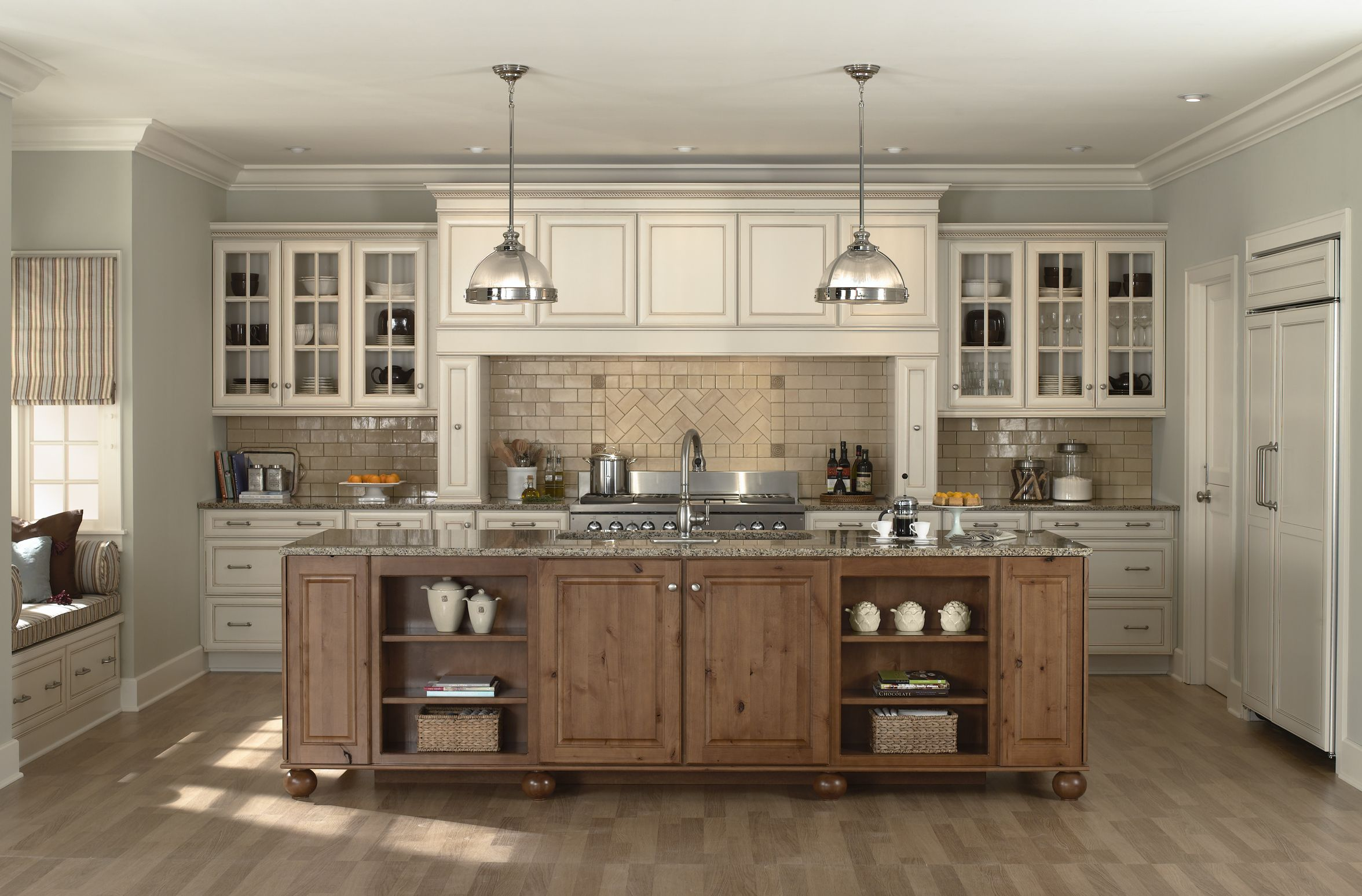 Farmhouse Kitchen Colors With White Cabinets