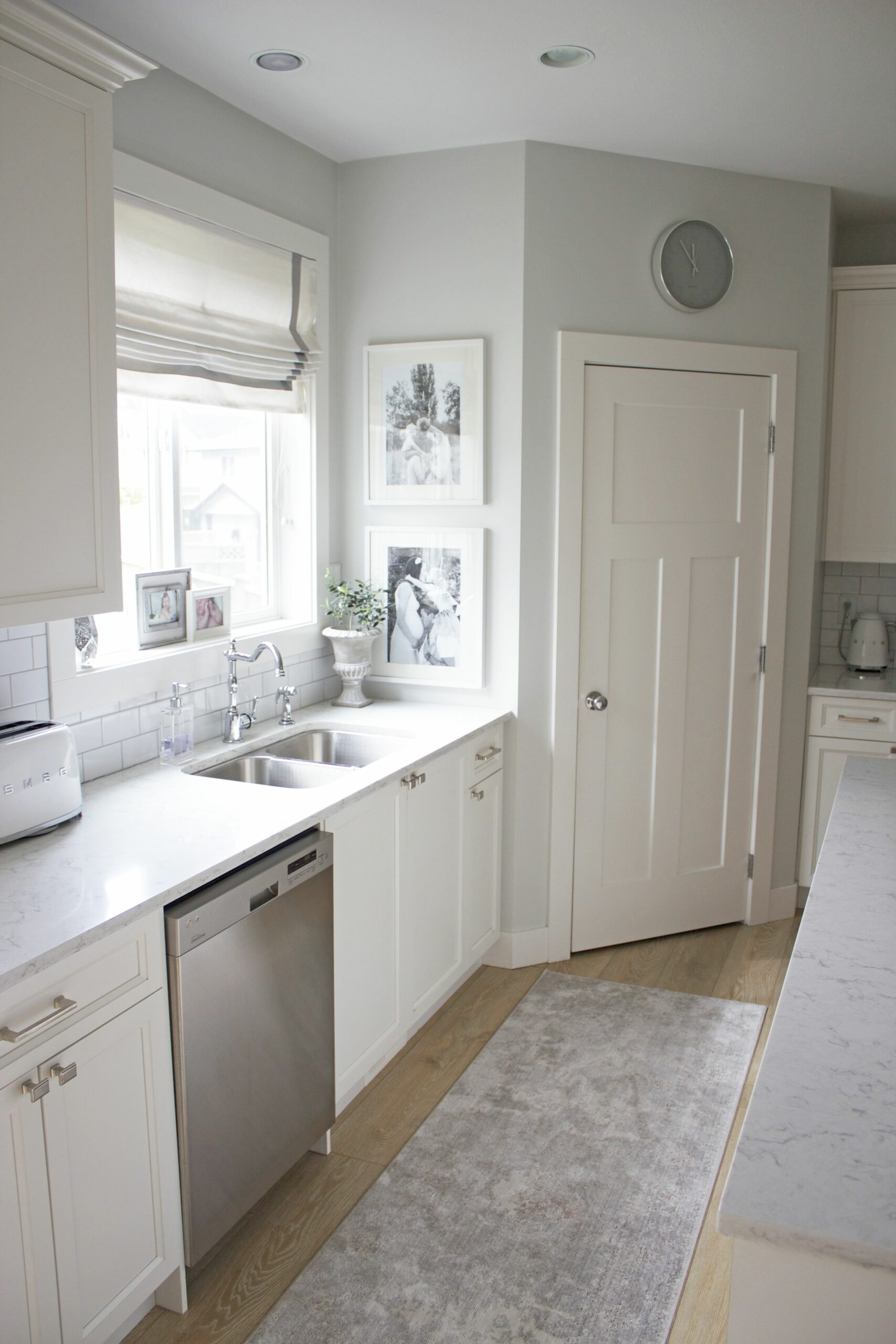 Gray Kitchen Cabinets With Gray Walls