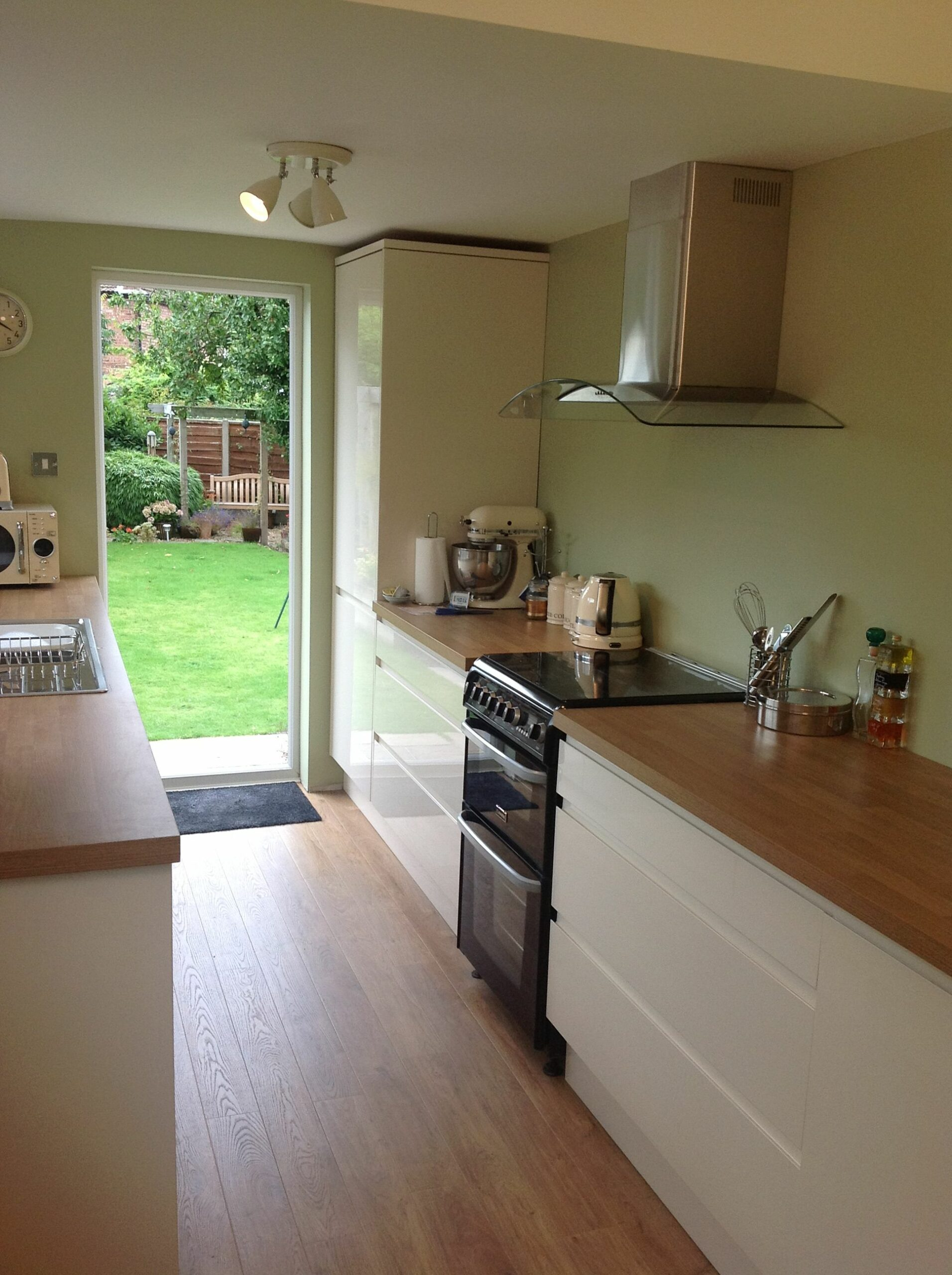 Green Walls Kitchens Pictures