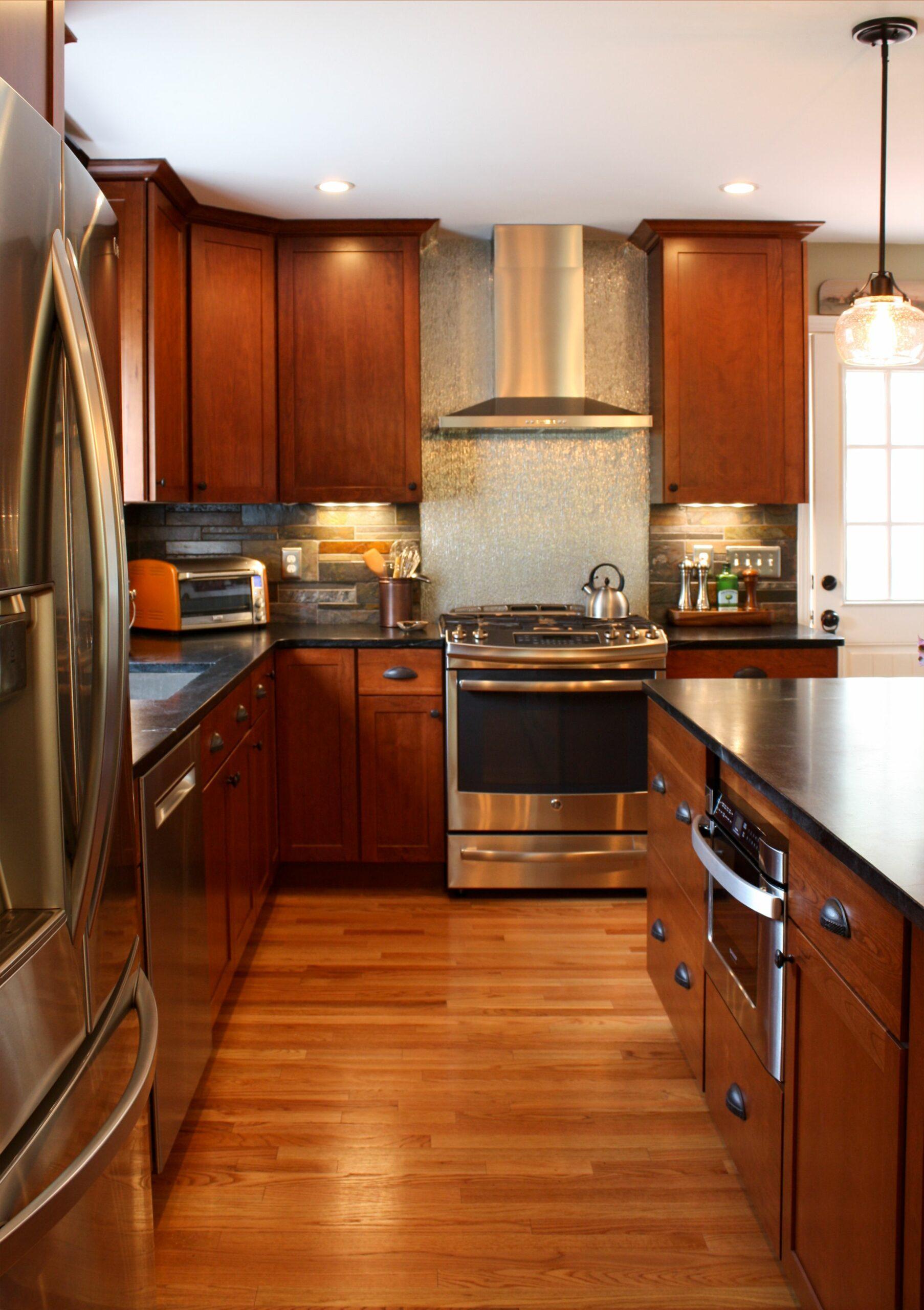 Modern Kitchen Stainless Steel Countertops
