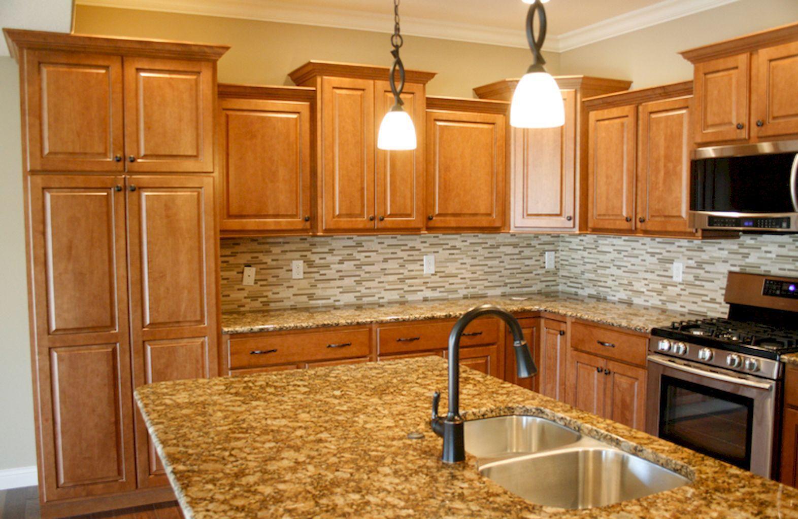 Farmhouse Kitchen Colors With Oak Cabinets