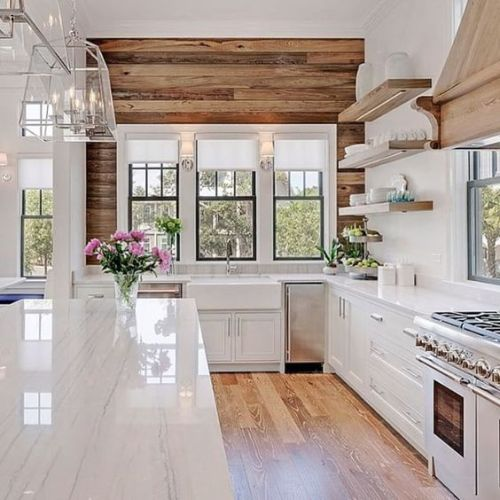 Glamorous Modern Farmhouse Kitchen With A Reclaimed Wood Accent Wall