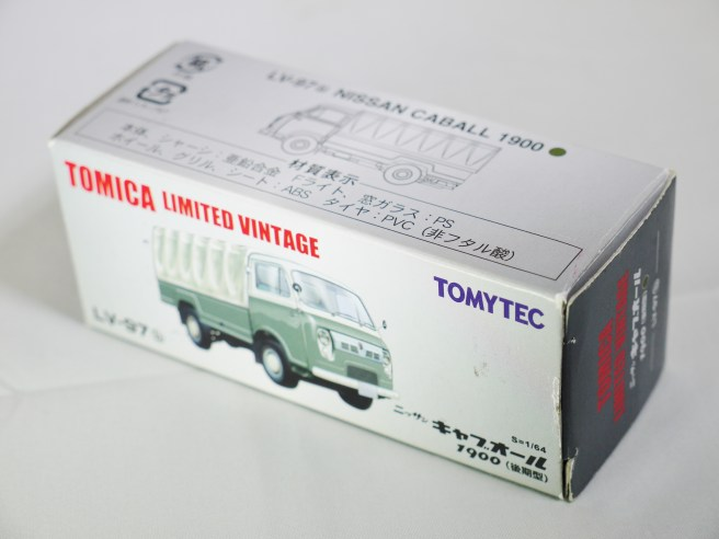 TOMICA LIMITED VINTAGE NEO TOMYTEC - LV-N111b NISSAN CABALL 1900 - DRK GRN & GRY - 09