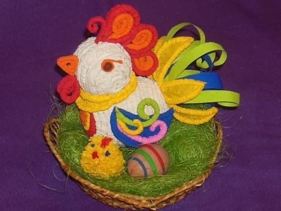 来自波纹状管的多彩多姿的雄鸡