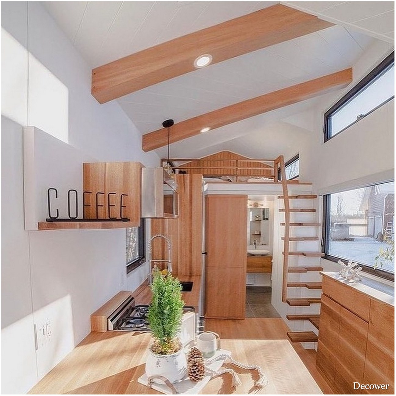 Living In A Tiny Houses With A Modern And Elegant Design