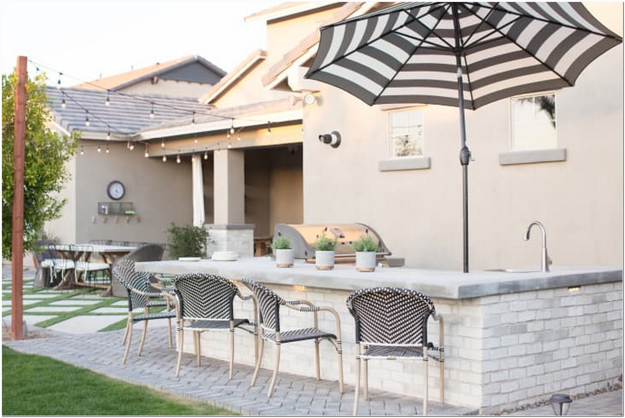 Get Inspired For 17 Outdoor Kitchens That Never Run Out Of Ideas 1