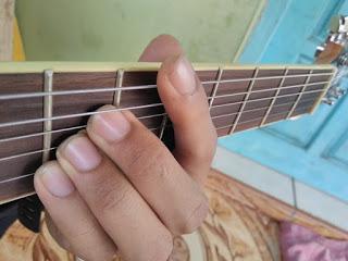chord D gantung