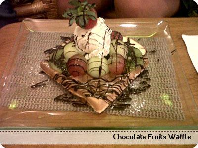 Chocolate Fruits Waffle
