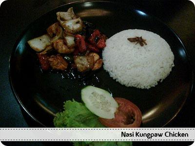 Nasi Kungpaw Chicken