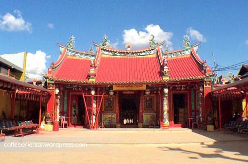a12 - Telisik Imlek, Melihat Tata Cara Ibadah Umat Buddha, Taoisme, dan Khonghucu di Klenteng