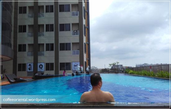 kolam renang Hotel Beston Palembang