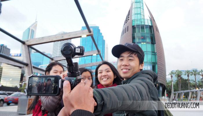 bell tower young people - 9 Tempat Traveling Seru Musim Panas Sambil Kuliner Enak di Perth