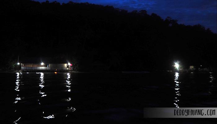 pulau mansuar malam hari - Jelajah Raja Ampat: Pulau Mansuar, Surga Wisata Bahari Indonesia Mendunia (Bagian 1)