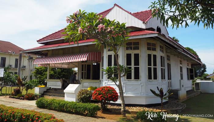 Arsitektur rumah yang menarik mata saya