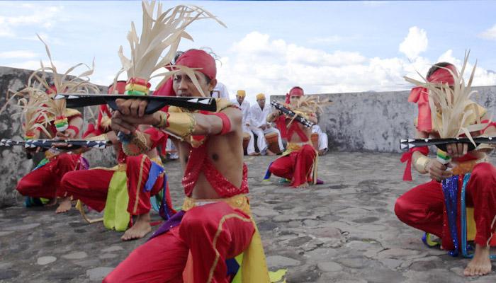 tarian soya soya1 - Visit Tidore Island - Merekam Jejak Wisata Pulau Rempah