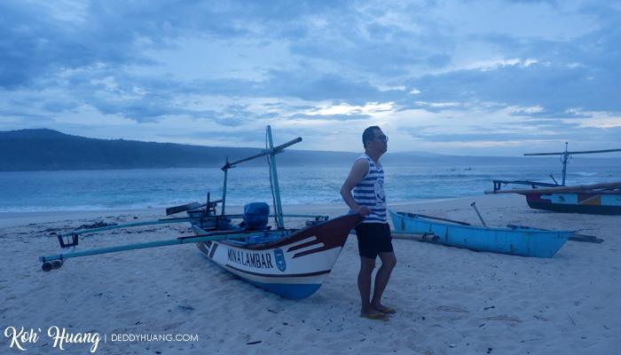 kapal jukung krui - Jelajah Pesona Pulau Pisang : Bertemu Teman Baru (Bagian 2)