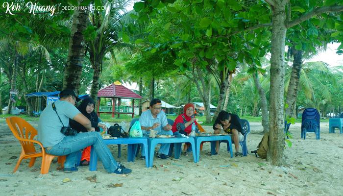 sarapan pagi - Jelajah Pesona Pulau Pisang, Krui (Bagian 1)