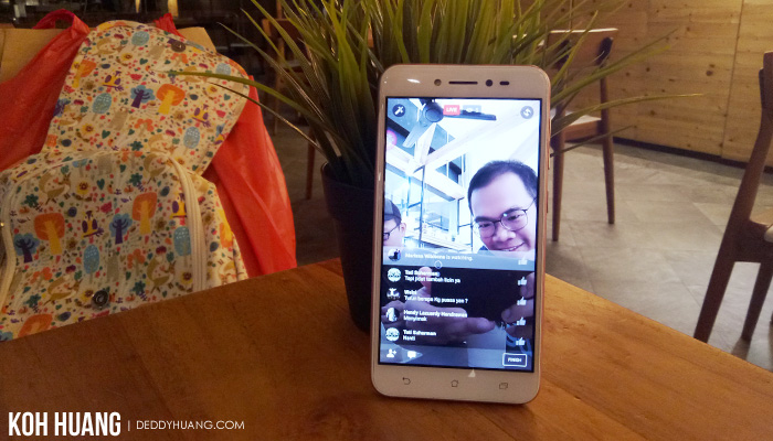 live streaming di zenfone live - Review : ASUS ZenFone Live ZB501KL, Bagus Untuk Live Broadcasting