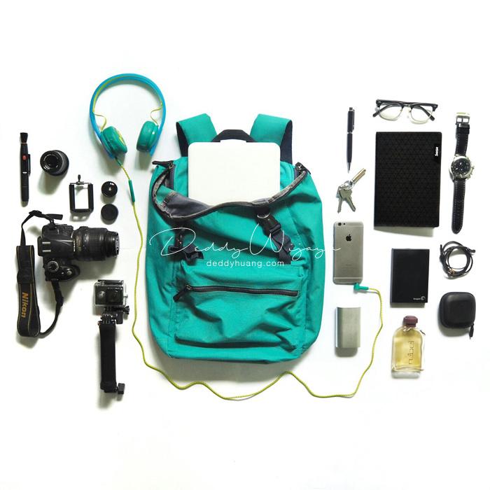 backpack flatlays - Traveling Bawa Laptop? Ini Laptop 2in1 Untuk Gaya Hidup Kamu yang Dinamis