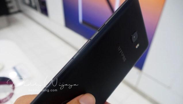 bodi samping - Gaya Hidup Aktif Bersama Samsung Galaxy C9 Pro