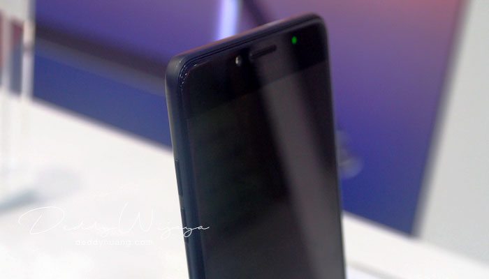 curve design - Gaya Hidup Aktif Bersama Samsung Galaxy C9 Pro