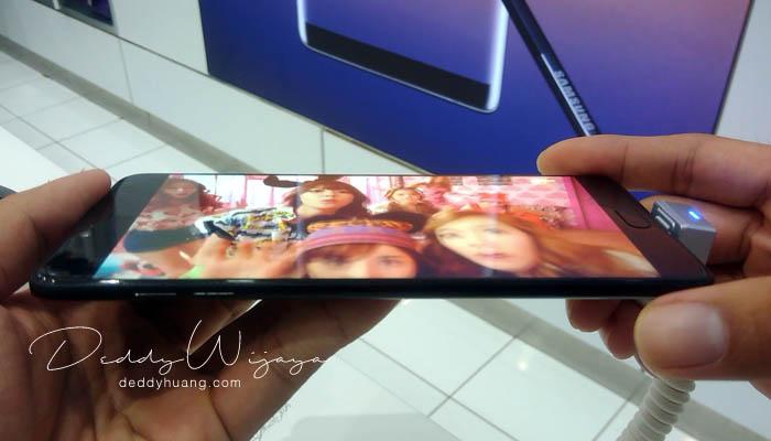 youtube samping - Gaya Hidup Aktif Bersama Samsung Galaxy C9 Pro