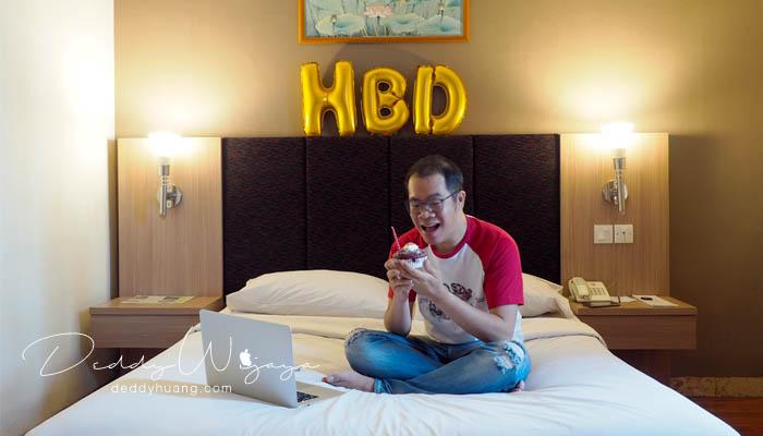 happy birthday - Berbagi Pengalaman Klaim Best Price Guarantee Traveloka