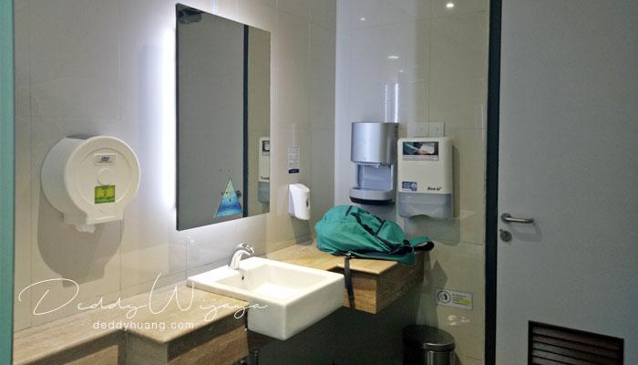 shower room terminal 3 shia - Tahukah Kamu di Terminal 3 Bandara Soekarno Hatta Ada Ruang Mandi?