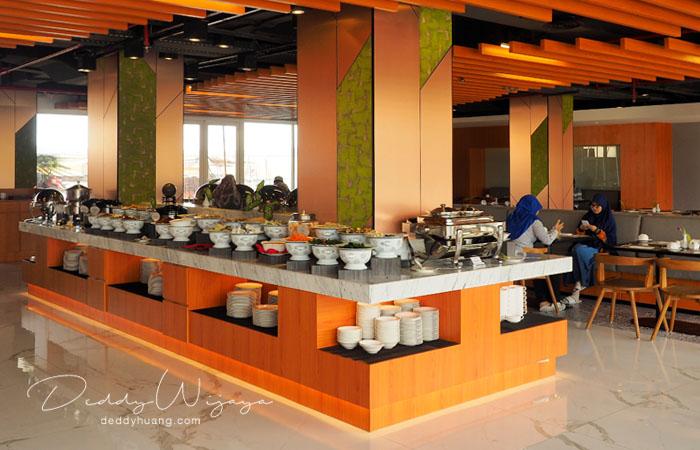 hotel santika premiere ambon 01 - Solo Traveling Modal 150 Ribu Bisa Puas Keliling Kota Ambon