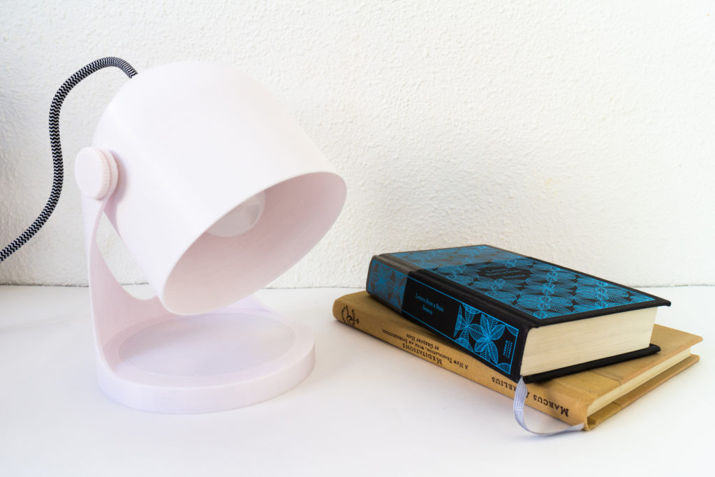 3d printable lamp with books