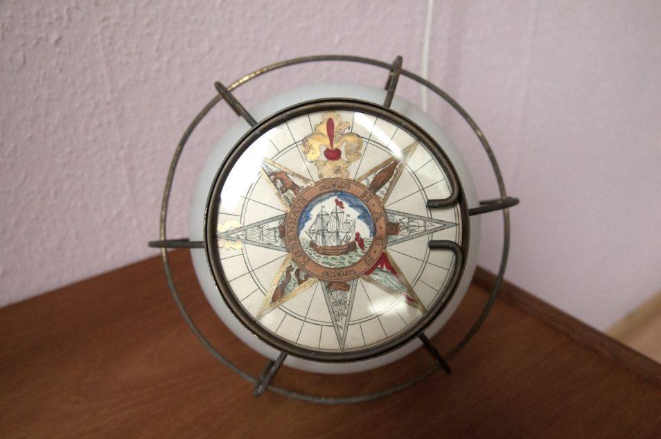 vintage scheepslamp landkaart
