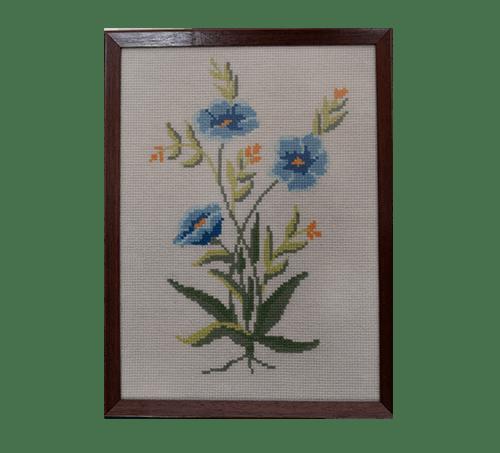 Vintage lijst geborduurde blauwe bloemen