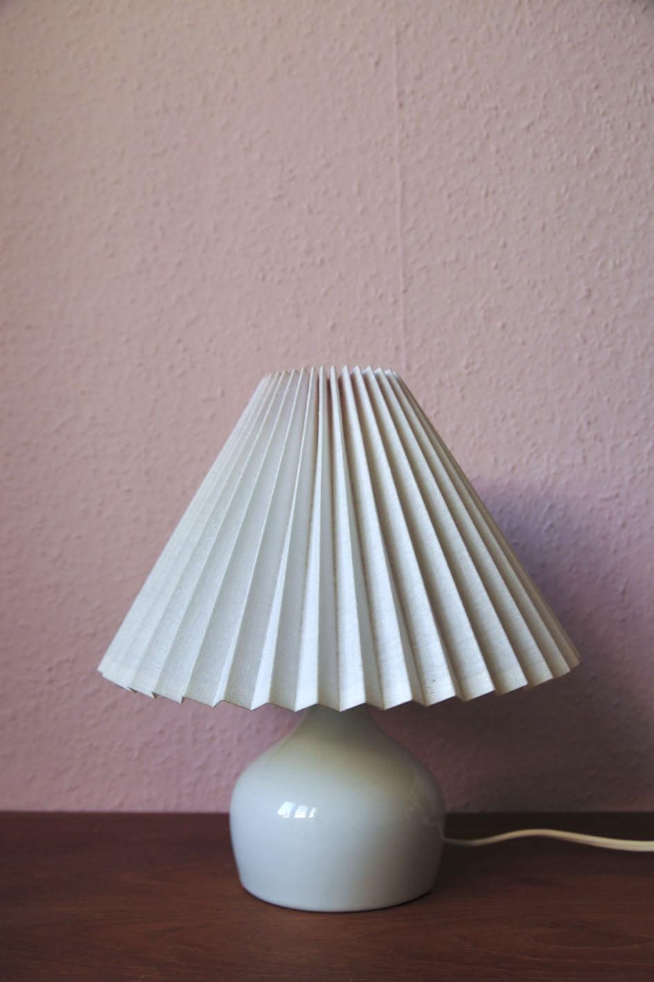 witte vintage tafellamp