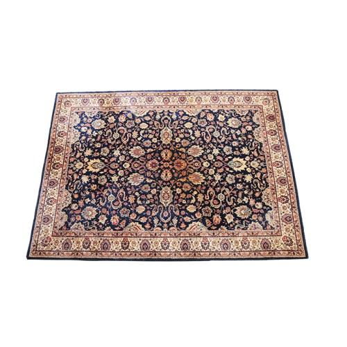blauw tapijt met motief