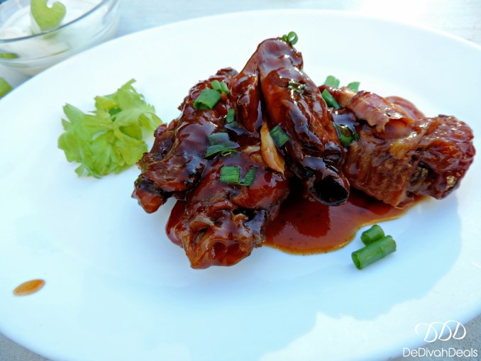slow cooked saucy chicken wings