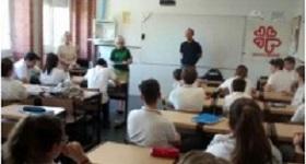 Sensibilización de Cáritas en el Colegio Zazuar (Vicaría IV).