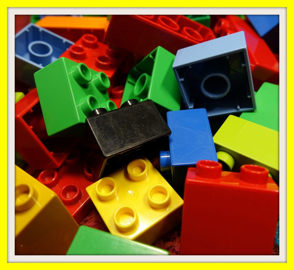 sell LEGO pieces by the pound and get cash at decluttr com