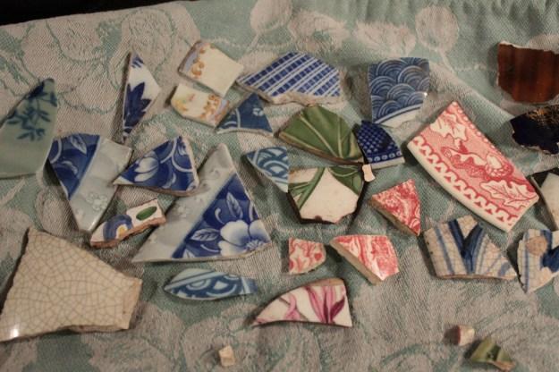 pottery-shards-transferware-deemallon