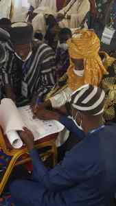 Le Sinaboko Sabi Nayina 3 signe un mémorandum sur la lutte contre les Mutilations Génitales Féminines (MGF) et les Violences Basées sur le Genre (VBG)