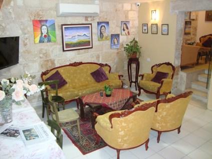 Port Inn's main sitting room